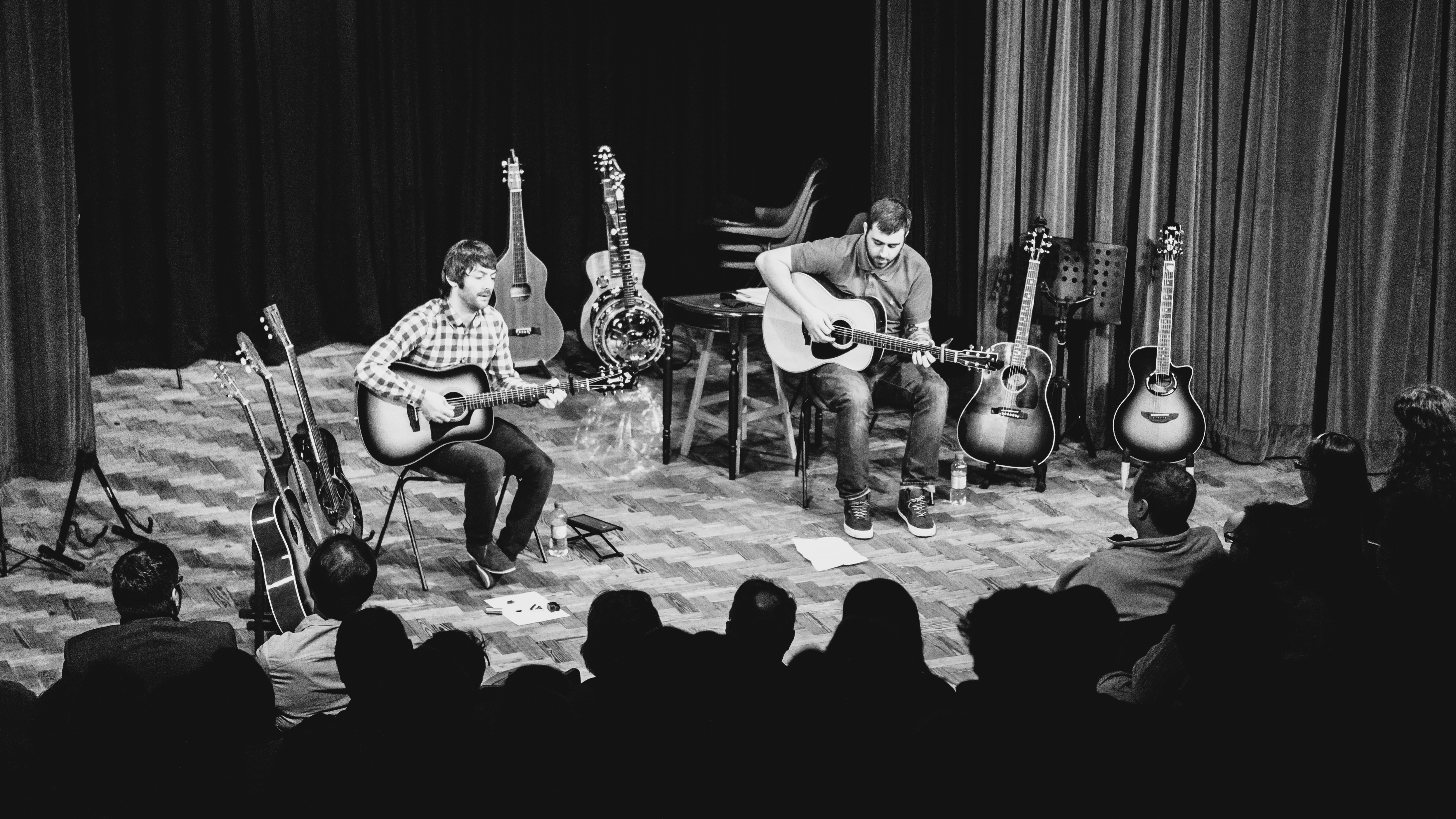 Chris Gray and Luke O'Reilly perform at the Unplugged concert (photo by Gary Weightman - Vannin Photos)